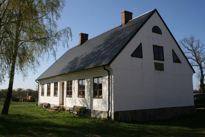 Vita Huset på Dälperöd - Simrishamn - Huis