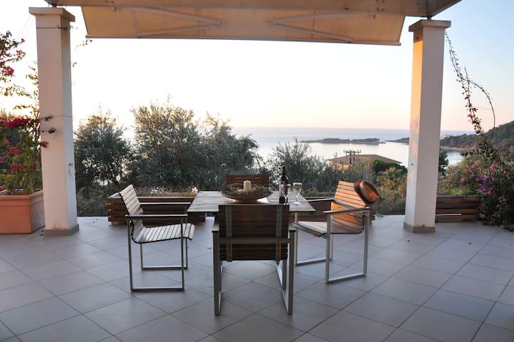 Modern villa with fantastic view! - Agios Andreas Korakochoriou - Villa