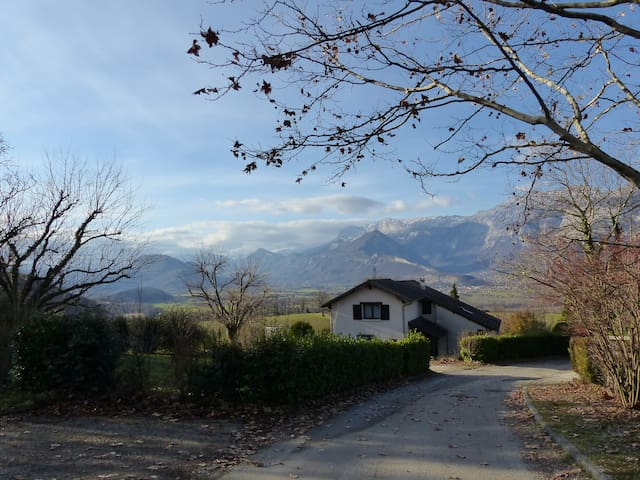 In the countryside near Grenoble. - Champagnier