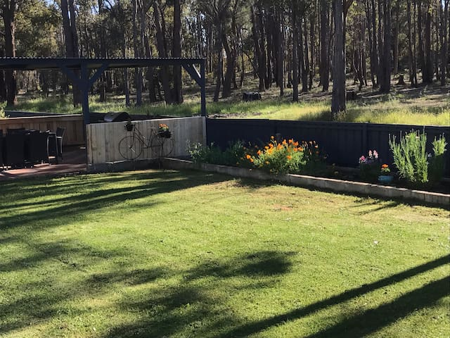 Cuddly animal farm in Perth hills - Chidlow - Huis