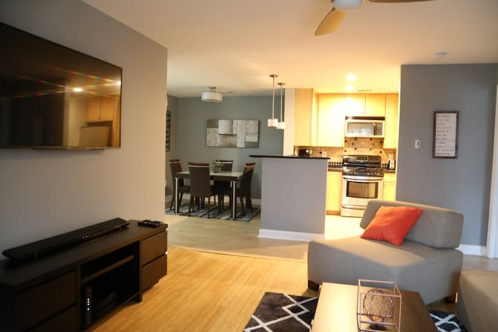 Cozy, contempory, Relaxing condo close to DC - Germantown - Huoneisto