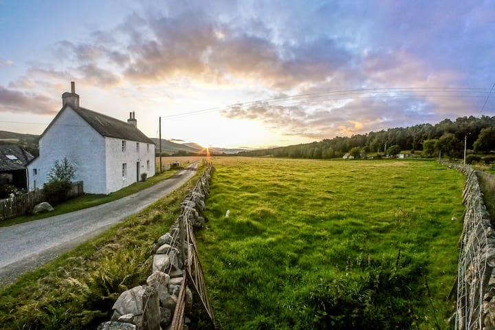 A Tranquil Rural Scottish Farmhouse - Pitlochry - 一軒家