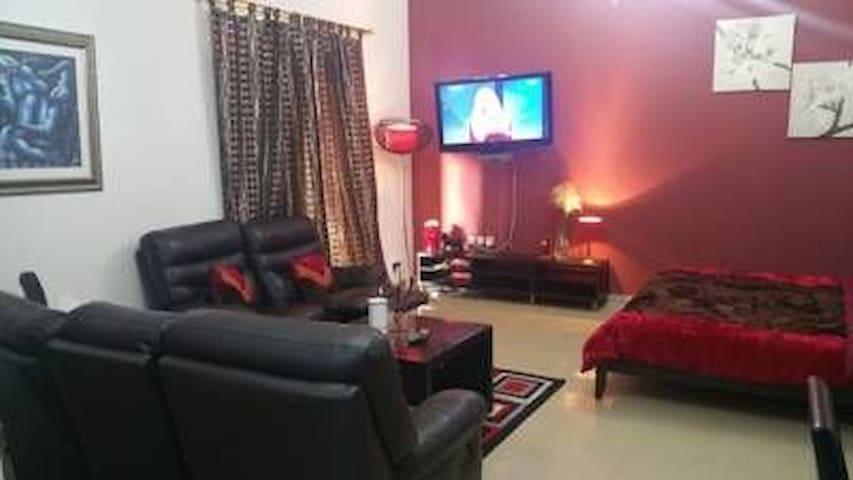 One room in 2 bhk , full furnished - Ajman - Departamento