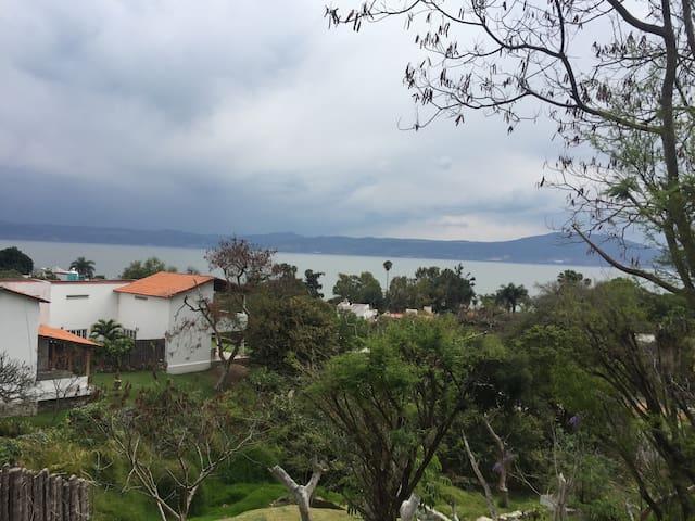 Casa con excelente vista en chapala - Chapala - Talo