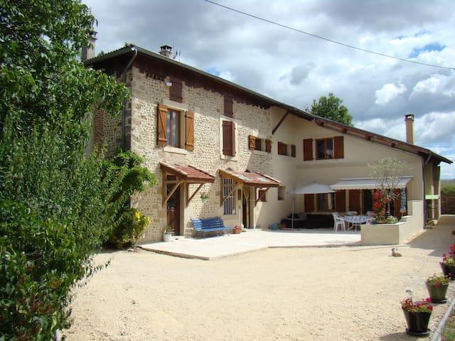 Chez Jules et Nancy *** - Montmiral - Naturstuga