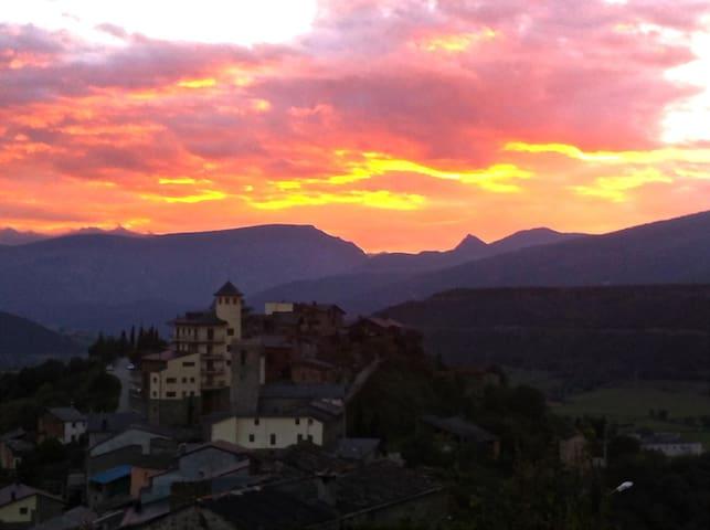 Bed&Breakfast in Catalan Pyrenees - Montferrer