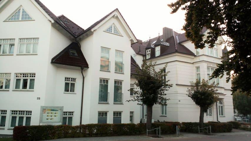 Schloß Hohenzollern, 2Zi. - Neubau, strandnah - Ostseebad Heringsdorf - Leilighet