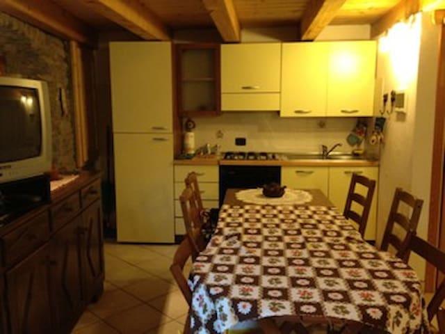 Monolocale rustico per coppie - Fossaz - Appartement