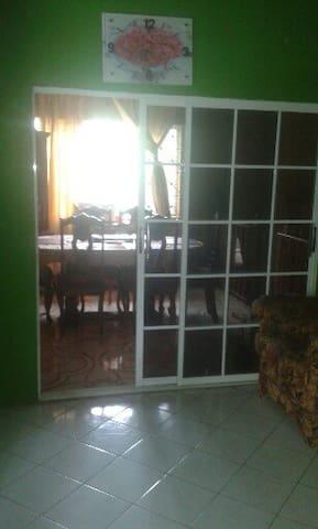 Freetown Living - Free Town - Apartemen