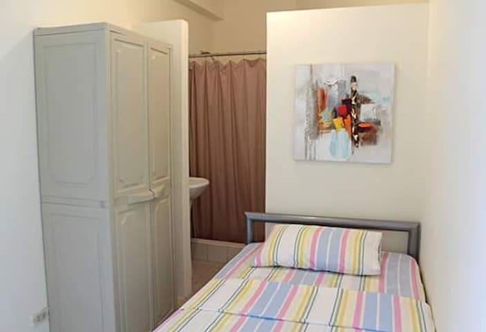 Bedroom in Samborondón-Habitación en Samborondón - Samborondon - Hus