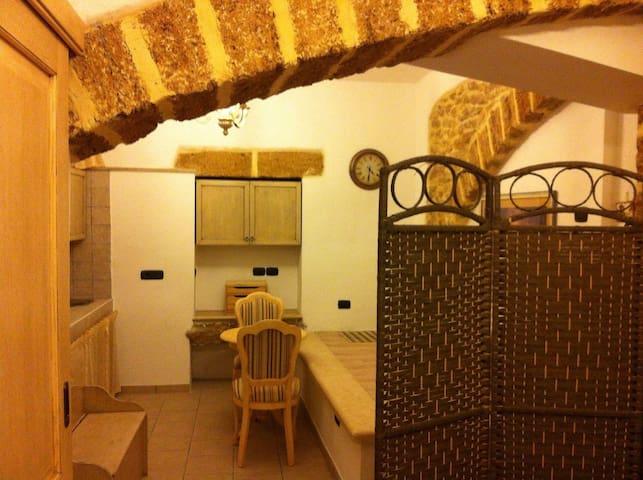 Bilocale nel centro storico di Mesagne (Salento) - Mesagne - Daire