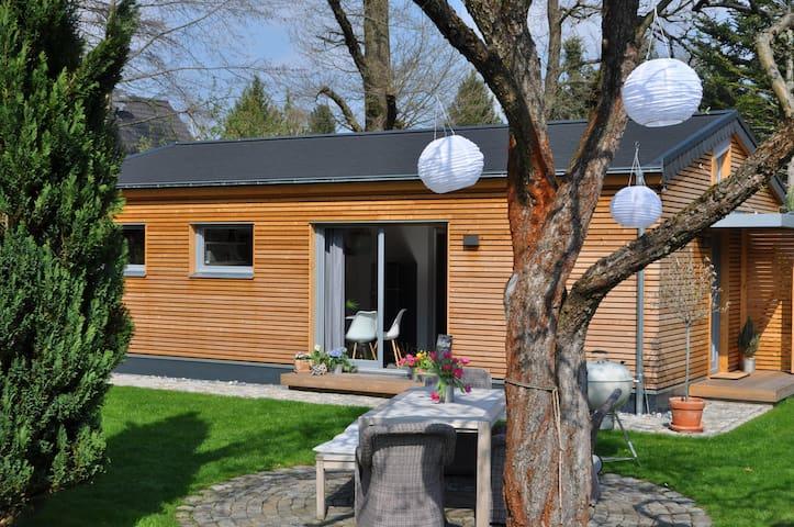 NEU!!! modernes Gartenhaus im Grünen - Dresden - Feriehjem
