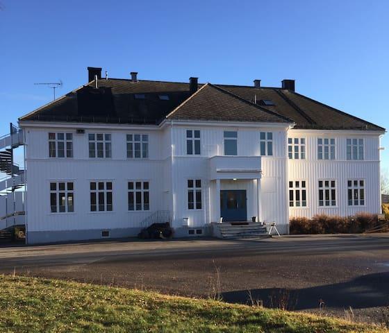 Skolen treningssenter - Kirkenær - Makuusali