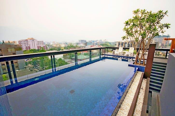 Great Location/Nice Pool/Fresh Roasted Coffee - Su Thep - Lägenhet