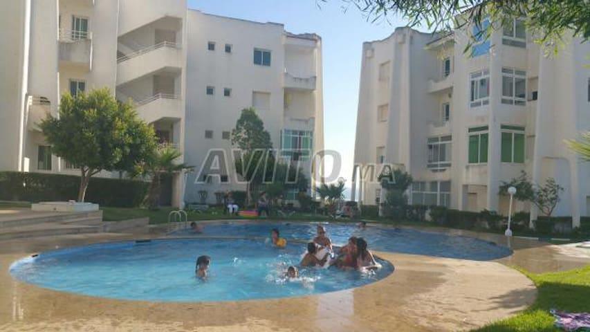 jolie ap calme  avec piscine  une vue pied sur mer - Asilah - Apartamento