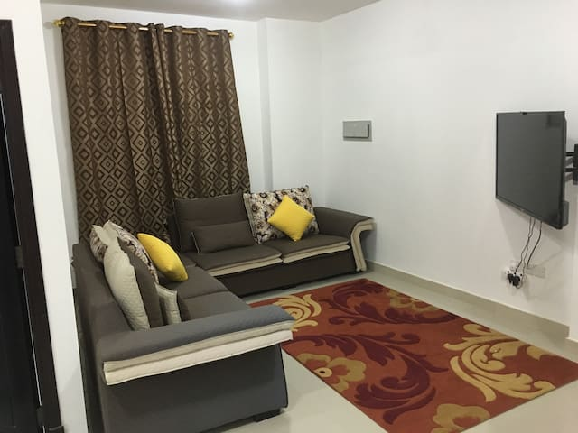 Very nice Sharing 1 room Apartment. - Seeb - Leilighet