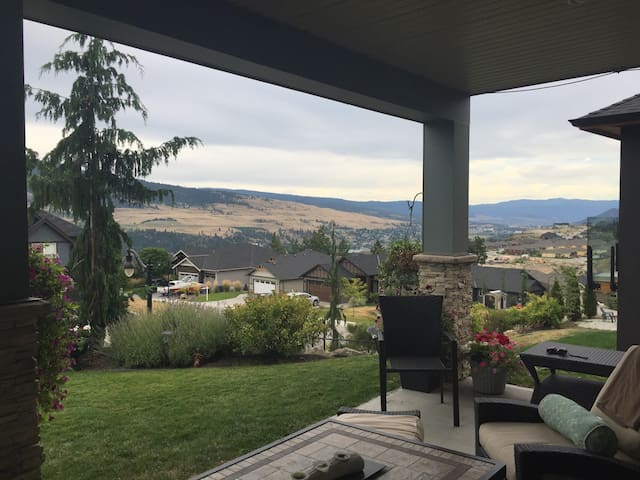 Sweetest Suite - 2BD, 2BTH, Parking - Lake Country - Haus