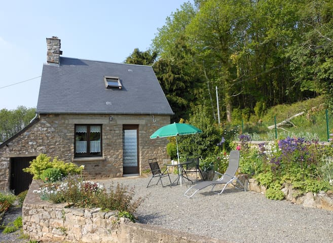 Le Crèpon, cosy granite cottage in the countryside - Le Mesnil-Gilbert