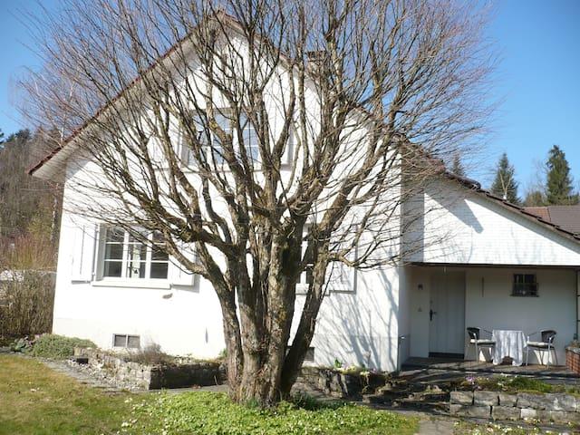 Zimmer in Haus mit Charme - Langenthal - Huis