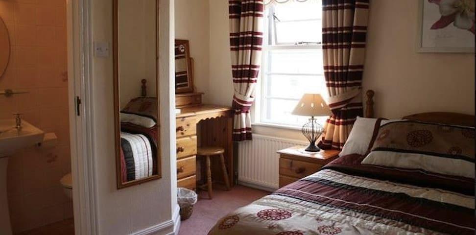 En-Suite Double with Breakfast - Strandhill - Bed & Breakfast