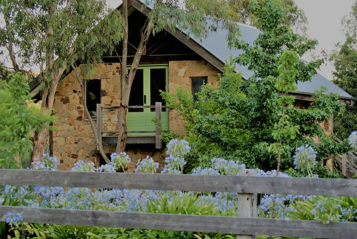 Sambar Studio Bed & Breakfast - Panton Hill - Gästehaus