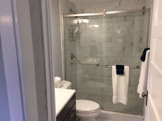 Private cozy guest house, 1 b, 1ba - Dallas - Domek gościnny