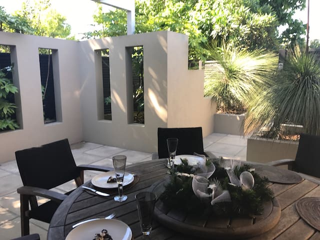 Close to Lake, Spa Pool, Luxury Beds - Taupo - Casa