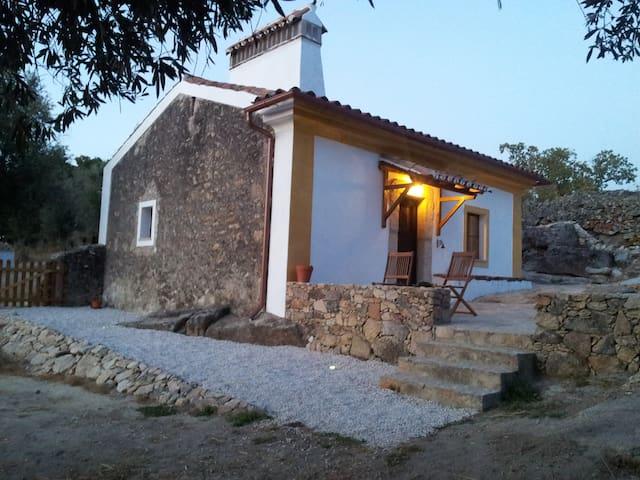 Romantic getaway in the Alentejo - Castelo de Vide - Huis