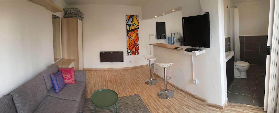New Guesthouse, Great location, Beach and Downtown - Dubai - Casa de huéspedes