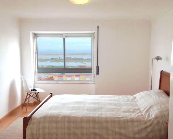 Apartment Lisbon area, bedroom, kitchen and 1,5 WC - Póvoa de Santa Iria - Pis