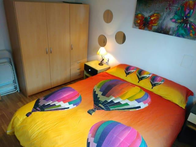 Lovely village apartment - Villar del Arzobispo - Appartement
