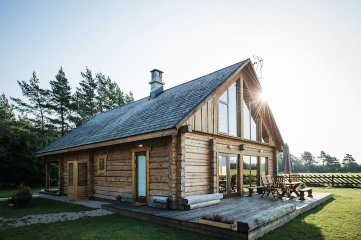 Amazing holiday home in Vilsandi National Park - Kuusnõmme - Huis
