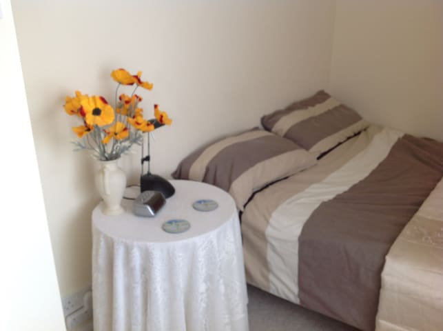 Beautiful single room for rent Chalgrove - Chalgrove - Casa