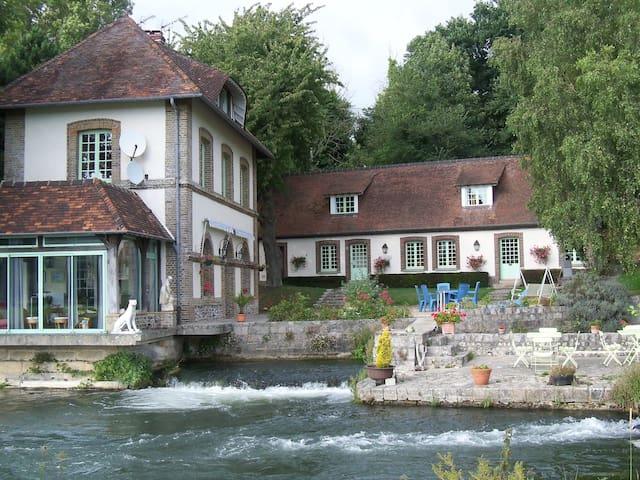 Gite au bord de la rivière - Longueil - Casa