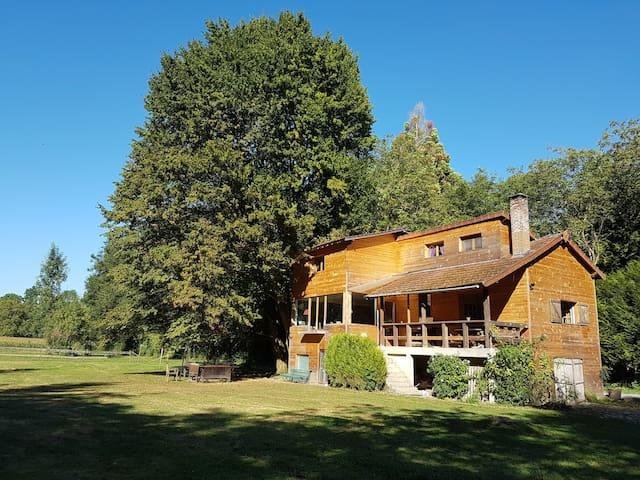 House for large family near Disney. - Condé-Sainte-Libiaire - Huis