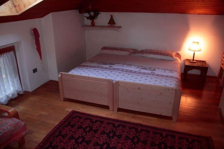 Stanza privata mansardata a Trento - Trento - House