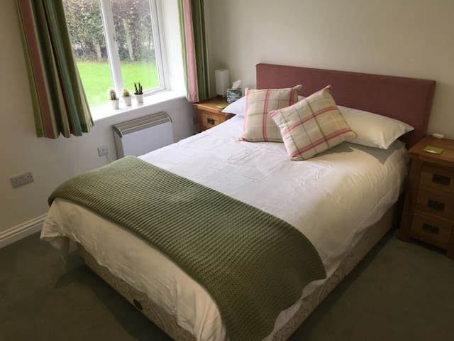 Comfy, Modern, Self Contained, Private Annexe B&B - Mobberley - Bed & Breakfast