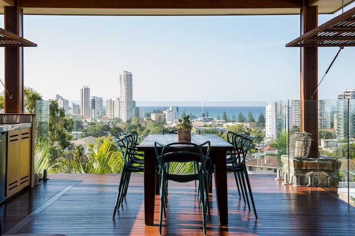 Burleigh Beach House, Amazing Views - Берли-Хедс - Дом