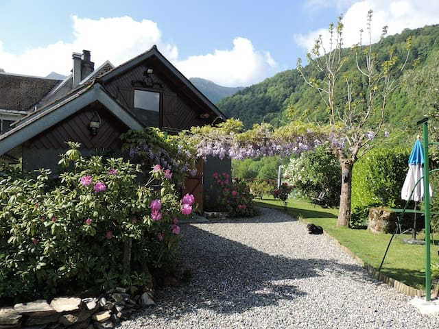 CHARMING MOUNTAIN GITE AT 900 M ALTITUDE - COULEDOUX - Hus