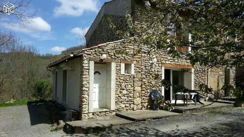 Maison en pleine campagne - Sautel
