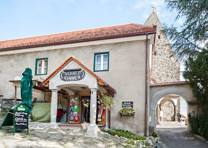 Urlaub in historischen Gemäuern - Riegersburg - Lyxvåning