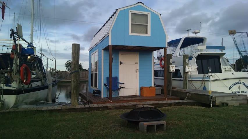 Floating Cabin on Bayou Liberty - Slidell - Annat