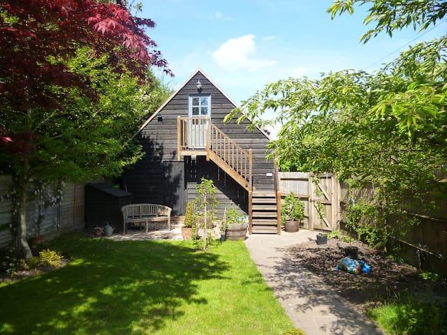Attractive studio in Farnham town - Farnham - Apartemen