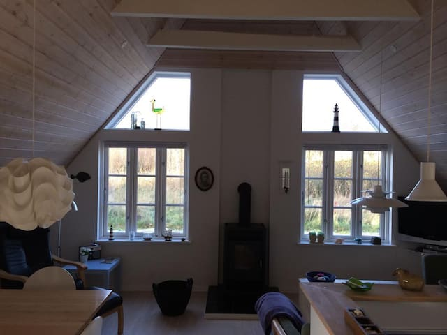 Sommerhus med ro og idyl, tæt på vand og skov - Ulfborg - Kabin