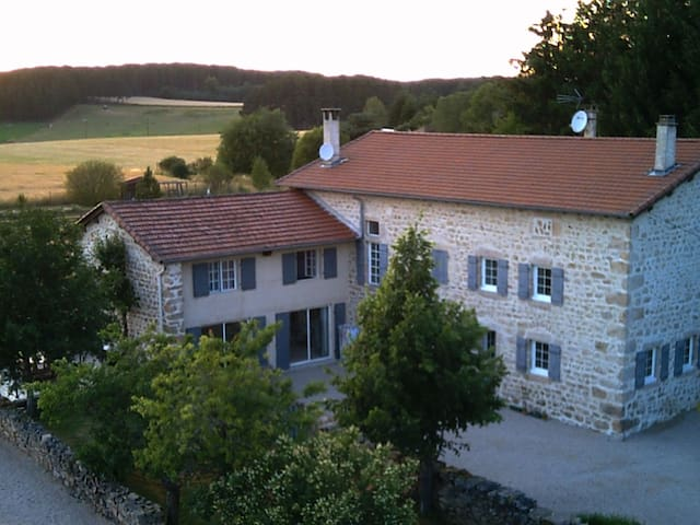 Le Bastidon de Villenuve - Bed and Breakfast - Saint-Pierre-du-Champ