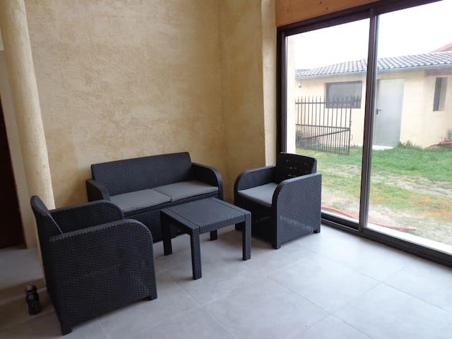 Maison en location pour l'été à la semaine - 140m2 - Charnoz-sur-Ain - Huis