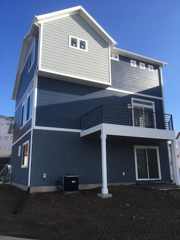 New home with a great room for your stay! - American Fork - Casa