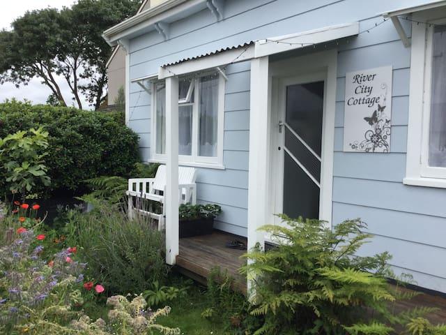 River City Cottage B & B (Double/Twin/Triple) - Whanganui