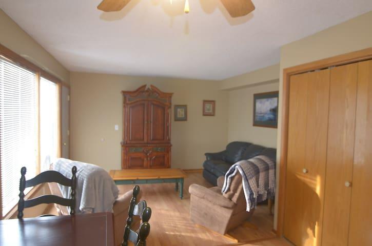 Comfortable, 2 Bd, 1.5 Bth, w/garage, townhouse - Rochester - Radhus