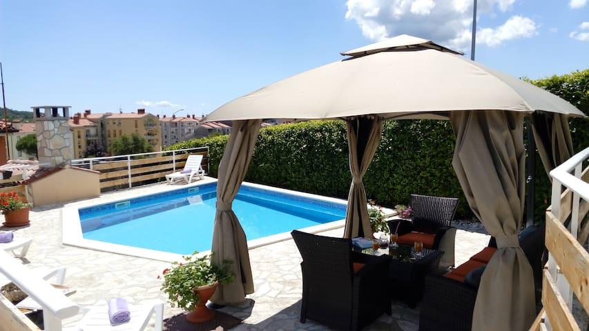 Nice big apartment with pool Labin - Labin - Leilighet